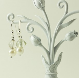 Dangle Bead Earrings – Pearl & Clear