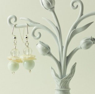 Dangle Bead Earrings &#8211; White &#038; Shell