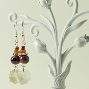 Dangle Bead Earrings &#8211; Brown Flower Shell