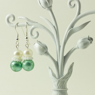 Dangle Bead Earrings &#8211; Green &#038; White
